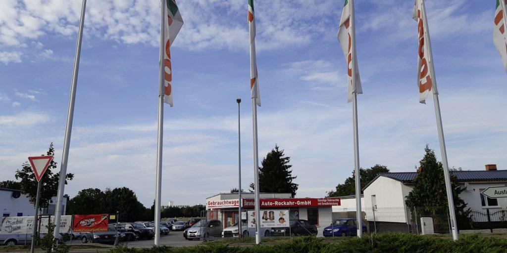 Außenansicht vom Gebrauchtwagenhandel am toom Baumarkt in Fürstenwalde